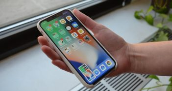 Samsung Galaxy S9 Plus vs. Apple iPhone X: Tough competition at the top